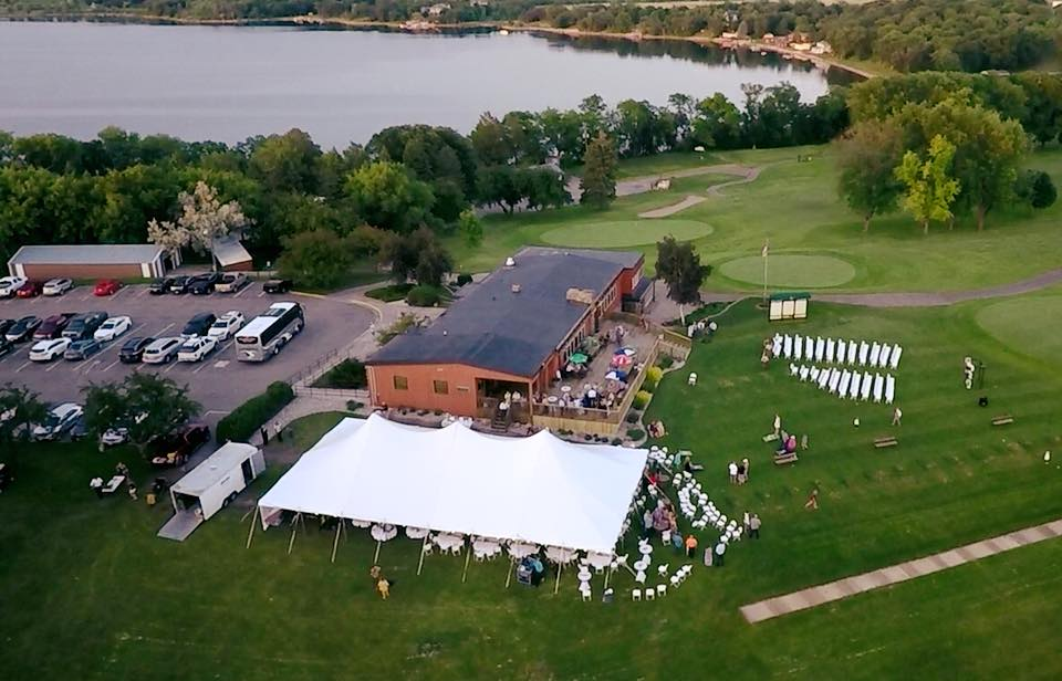 wedding-drone-photo-pebble-lake-golf-course