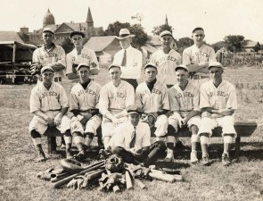 Black & White Photo of Baseball Team