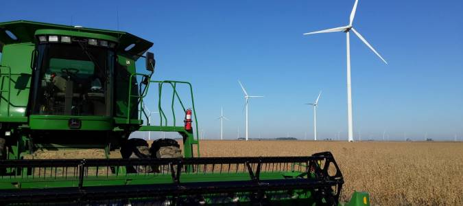 wind.combine.rotating
